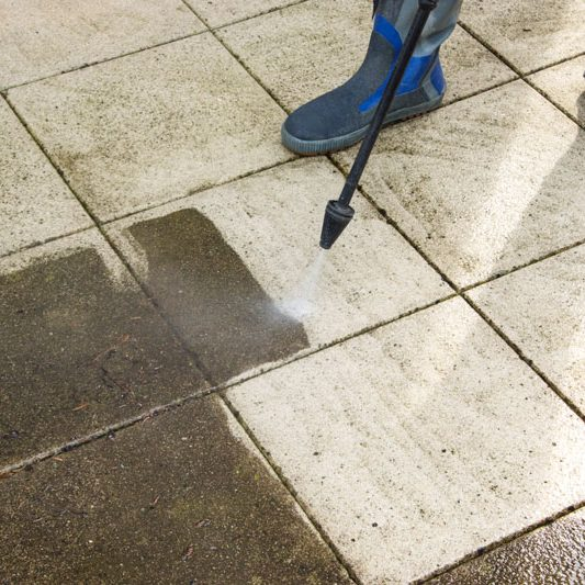 how-to-clean-patio-slabs-pressure-washer